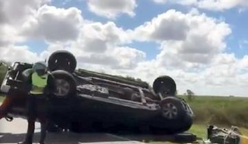 Imagen de Accidente en la Ruta 11: se le desestabilizó el trailer y volcó