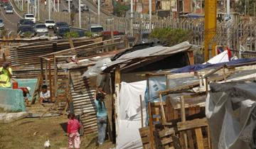 Imagen de Según la UCA, el Gobierno terminará su último año dejando un 38% de pobreza