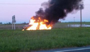 Imagen de Extraño incendio de un auto en la Autovía 2