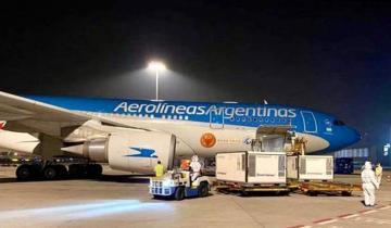 Imagen de Llegó al país el vuelo con otras 800 mil dosis de la vacuna Sputnik V