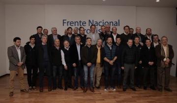Imagen de Intendentes peronistas se unen para repudiar la eliminación del Fondo Sojero