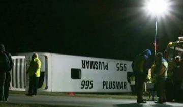 Imagen de Accidente en la Ruta Provincial 2: dos muertos y 20 heridos en Chascomús tras el vuelco de un ómnibus