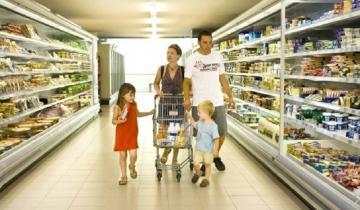 Imagen de Para no ser pobre, una familia tipo necesitó casi 30.000 pesos en abril