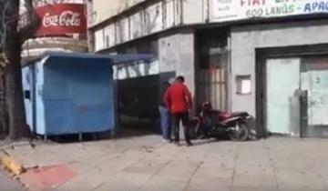 Imagen de Dolores: perdió el control de su moto, se subió a la vereda y embistió una pared