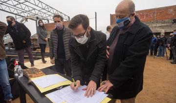 Imagen de Mar Chiquita: anunciaron la finalización del Polideportivo y nuevas obras para el distrito