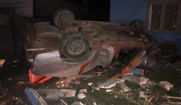 Imagen de Maipú: perdió el control de su auto y casi termina dentro de una casa