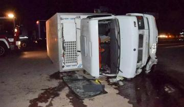 Imagen de Un camión chocó a un Fiat 147 en la ruta: un muerto