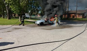 Imagen de Se incendió un vehículo en el centro de Madariaga