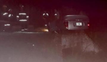 Imagen de Una familia terminó en el hospital tras volcar su auto en la Ruta 74