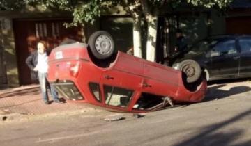 Imagen de Mar del Plata: el ex intendente Arroyo volcó con su auto en un triple choque