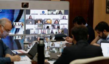 Imagen de Kicillof analizó con especialistas e intendentes la situación epidemiológica de la provincia