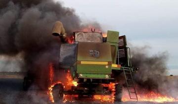 Imagen de Un voraz incendio destruyó una cosechadora en General Madariaga