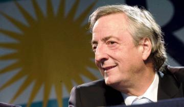 Imagen de Emiten el discurso que dio Néstor Kirchner en 2001 en Dolores en el marco de los homenajes por el 10º aniversario de su muerte