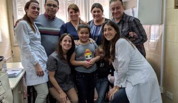 Imagen de Una nena de Mar del Plata de 8 años fue operada con éxito del oído y logró escuchar por primera vez