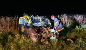 Imagen de Trágico choque entre un taxi y un auto particular en la Ruta 55: dos muertos