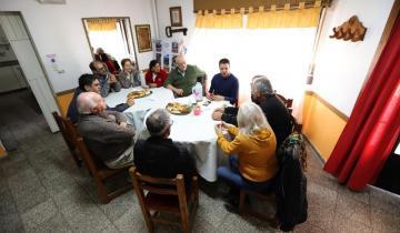 Imagen de Cardozo se reunió con jubilados y les hizo una videollamada con Mirta Tundis