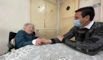 Imagen de La visita de Cristian Cardozo a Serena, la abuela de 97 años que llegó al Partido de La Costa desde Italia hace más de seis décadas