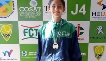 Imagen de Una joven tenista del Centro Municipal de Alto Rendimiento de La Costa se lució en un torneo en Brasil