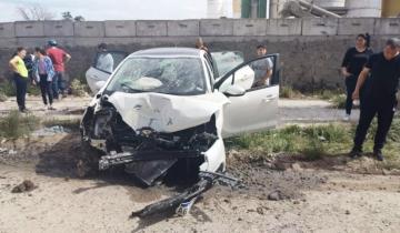 Imagen de Chocó su auto contra un poste de luz cuando conducía alcoholizado y fue internado