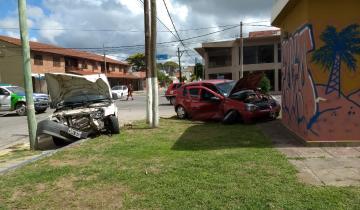 Imagen de Espectacular choque entre dos vehículos en Santa Teresita