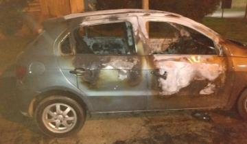 Imagen de Incendiaron un auto en Dolores y no descartan que haya sido intencional