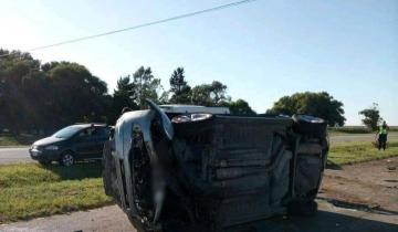 Imagen de Dos heridos tras un choque y vuelco en la Ruta 11