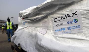Imagen de Llegaron al país 864 mil dosis de vacunas contra el coronavirus del Fondo Covax