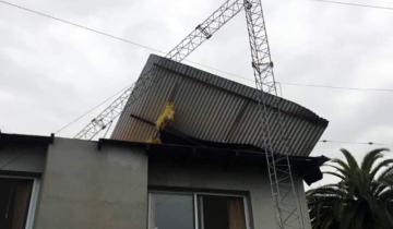 Imagen de Destrozos y voladuras de techos en Chascomús