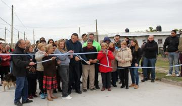 Imagen de Se inauguraron otras cuatro cuadras de pavimento en Dolores
