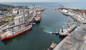 Imagen de Paros combinados de trabajadores portuarios complican a puertos bonaerenses