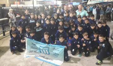 Imagen de Los chicos de Racing La Costa fueron invitados a ver un partido en el Cilindro de Avellaneda