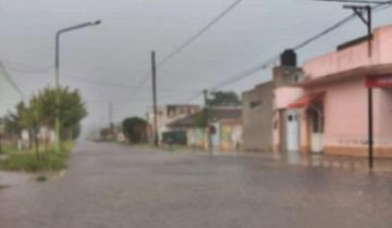 Imagen de Más de 20 viviendas inundadas, evacuados y calles anegadas en Castelli