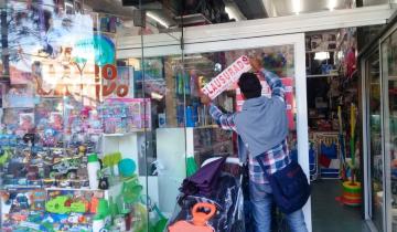 Imagen de Villa Gesell: clausuraron más de 30 comercios por no acatar la cuarentena obligatoria