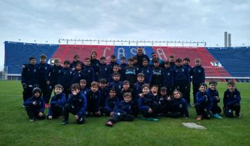 Imagen de Los chicos de Racing de La Costa viajaron a jugar en el predio de San Lorenzo de Almagro