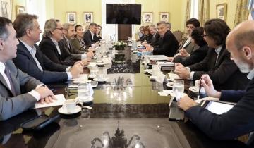 Imagen de Insólito: Macri y sus ministros cobrarán el bono de $ 5.000