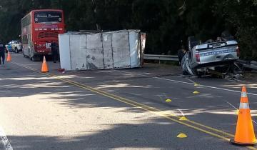 Imagen de Grave accidente en la Ruta 2: chocaron un micro y una camioneta
