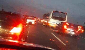 Imagen de Ruta 11: 15 autos chocaron en cadena entre General Conesa y General Lavalle, el sector donde aún no está la Autovía