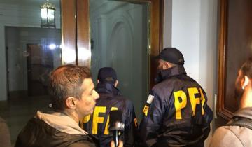 Imagen de Allanan dos departamentos en el edificio de Cristina Kirchner