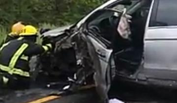 Imagen de Fuerte choque entre un camión y una camioneta en Saladillo: dos heridos
