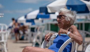 Imagen de La historia de Dorothea: tiene 106 años, nada y bebe agua de mar cada día de su vida