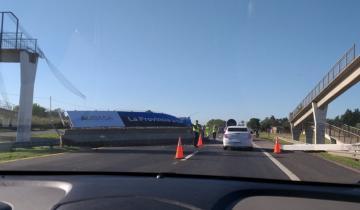 Imagen de Se derrumbó un puente peatonal en la ruta 2
