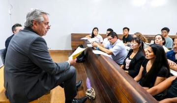 Imagen de Alberto F. fue a dar clases a la UBA: dos vecinos de La Costa fueron sus alumnos