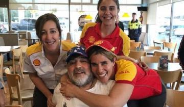 Imagen de Parada en Maipú: Maradona revolucionó una estación de servicio en la Ruta 2