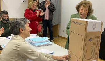 Imagen de La historia de la abuela de 93 años que fue a votar en Madrid