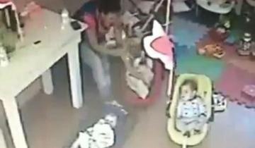 Imagen de Video: escalofriante maltrato a una bebé de 4 meses en una guardería de La Plata