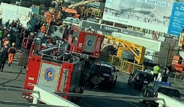 Imagen de Se derrumbó una obra en el Aeropuerto de Ezeiza: un muerto y 13 heridos