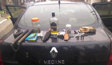 Imagen de San Clemente: se quedó dormido, chocó un auto estacionado y  le secuestraron armas y drogas