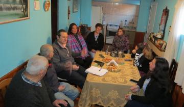 Imagen de Más visitas del intendente Etchevarren: qué le pidieron los vecinos de Dolores