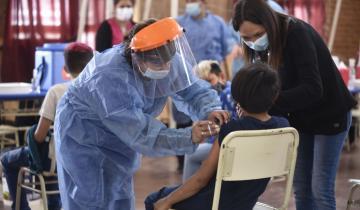 Imagen de Ya son más de 100 mil los niños y niñas de entre 3 y 11 años vacunados en la provincia
