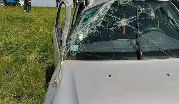 Imagen de Una persona herida tras un vuelco en la Ruta 63